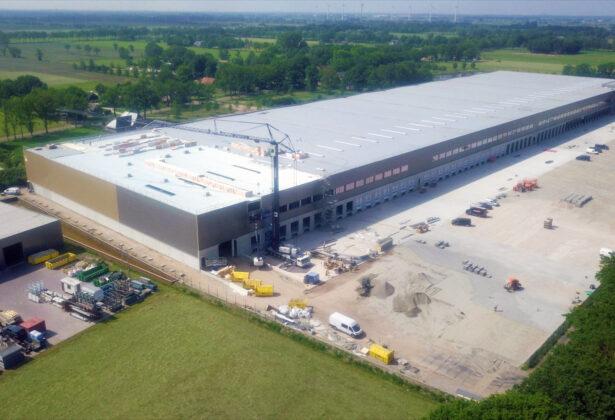 Logistiek specialist neemt nieuw distributiecentrum in gebruik