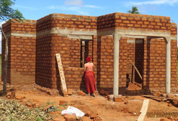 Doel 18 woningen Tanzania behaald